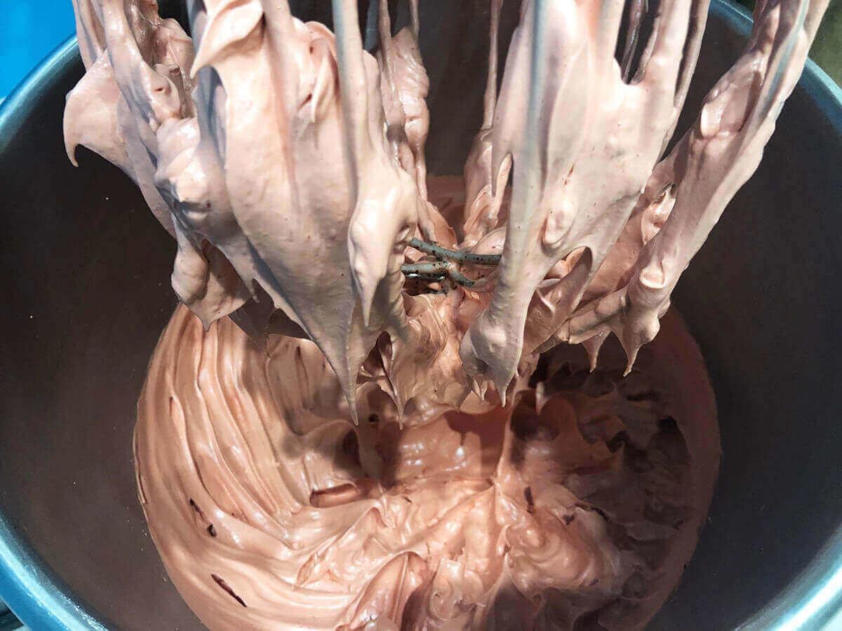 製作蛋白霜-馬卡龍蛋白霜成形
